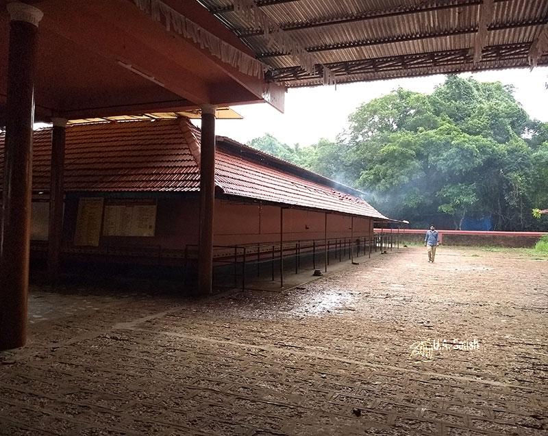 Mannanpurathu Bhagavathi Temple; temple; Nileshwaram; Kerala; India; uasatish; Chuttambalam;