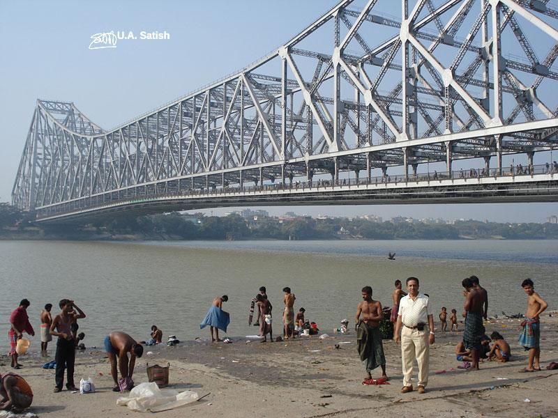 River Hooghly; river; Howrah Bridge; Kolkata; uasatish;