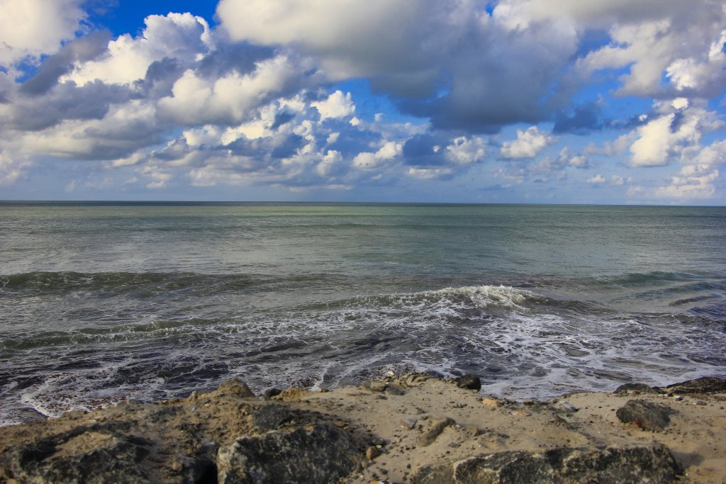 Indian Ocean; beach point; uasatish; Tamil Nadu;