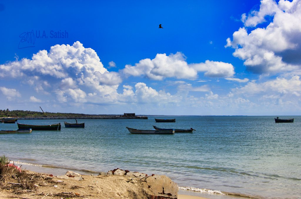Kunthukal Beach; Rameswaam; ivekenanda Museum; Rameswaram; uasatish;; boats; Bay of Bengal; sea; sky;