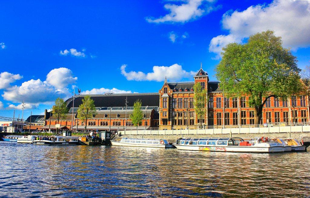 Amsterdam Centraal; train station; Amsterdam; uasatish;